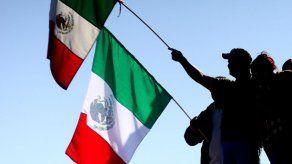 Detienen en el sur de México a cientos de migrantes que iban hacia EEUU