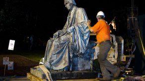 Reviven en EEUU llamado a retirar monumentos confederados