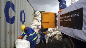 Limpieza del Everest resulta en cuatro cadáveres y basura