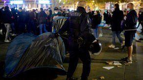 Indignación en Francia por desmantelamiento violento de un campamento de migrantes