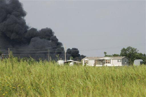 Tren se incendia en Oklahoma tras descarrilarse