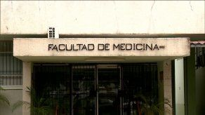 Esperan derogación de resolución que reduce puntaje de examen de certificación médica