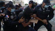 El pasado lunes, los tres jóvenes fueron detenidos por alterar el orden público mientras participaban de una protesta en contra del fallo de la Corte Suprema de Justicia que declaró no culpable al diputado oficialista Arquesio Arias.