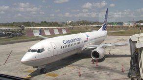 Develan logo oficial de Cumbre de las Américas en avión de Copa Airlines