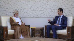 Inusual visita de canciller de Omán a Siria
