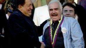 A Vicente Fernández le harán una biopsia en el hígado