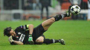Beckenbauer se burla del jubilado Buffon