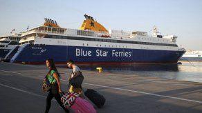Grecia: Miles de viajeros varados por huelga de ferry