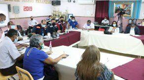 El próximo lunes continuará la mesa de diálogo entre el Meduca y los docentes