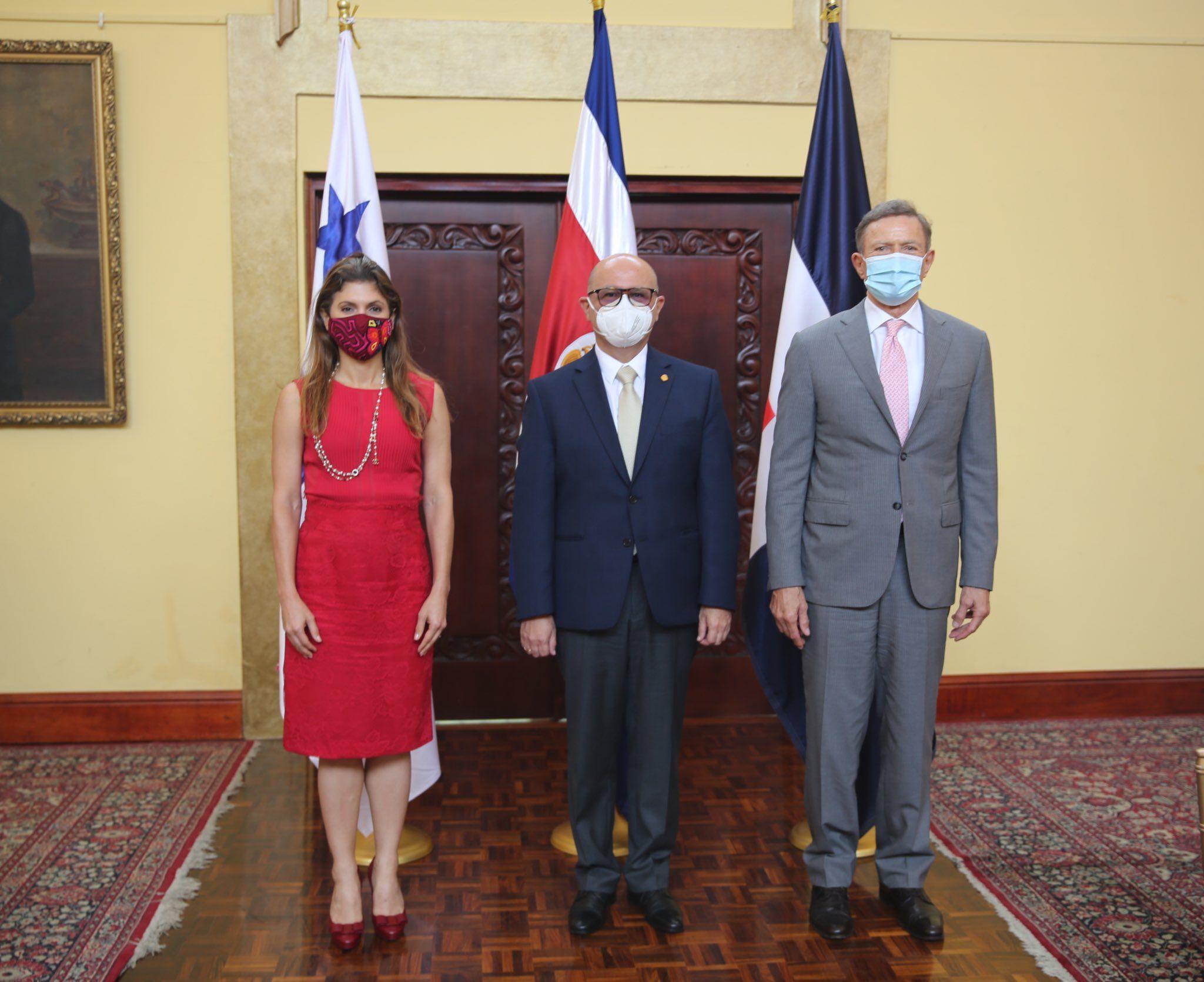 La Canciller @ErikaMouynes se reúne hoy con sus homólogos de República Dominicana y Costa Rica, países con los que busca forjar la alianza estratégica del Triángulo Caribeño.