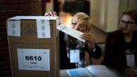 En Argentina, el voto es obligatorio para todas aquellas personas que tengan entre 18 y 70 años y, desde 2013, los jóvenes de 16 y 17 años pueden ejercerlo de forma optativa, posibilidad que ya tenían los mayores de 70 años.