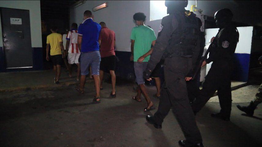 Las diligencias de allanamiento contra el microtráfico de drogas en la provincia de Colón se realizaron entre la noche de este martes y la madrugada de este miércoles.