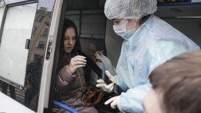 Rusia: Mujer que huyó de cuarentena por virus debe regresar