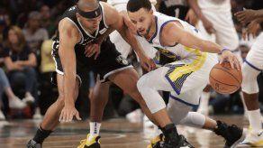 Curry impone otro record de triples
