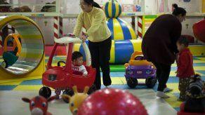 China abole formalmente los campos de reeducación por el trabajo y flexibiliza la política del hijo único