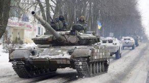 Rebeldes dicen controlar aeropuerto de Donetsk tras combates