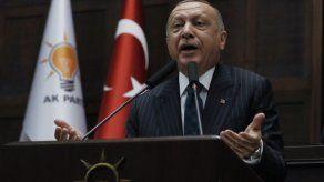 Presidente turco dice escuchará mensajes de los votantes