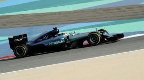 Lewis Hamilton logra la pole position del Gran Premio de Bahréin