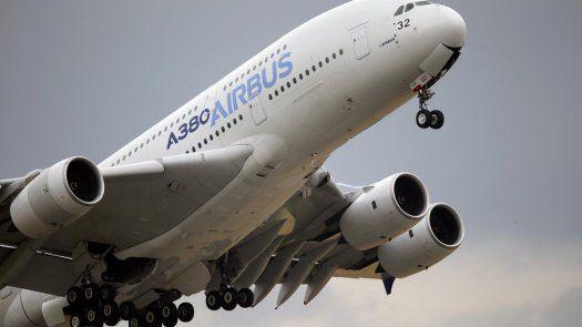 La mejora en Airbus sigue a la noticia del miércoles de que su competidor Boeing reportó sus primeras utilidades trimestrales después de seis trimestres consecutivos de pérdidas.
