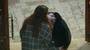 HERCAI   Dilsah rechaza a Reyyan por verla junto a Azize