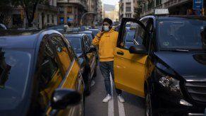 Taxis protestan regreso de Uber a Barcelona