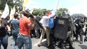 Dos policías heridas tras enfrentamientos con estudiantes de la UP
