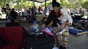 Ecuador deporta a otros 46 cubanos que pedían visa a México para ir a EEUU