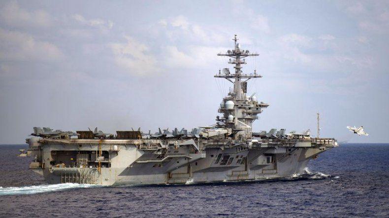 EEUU: Armada demora decisión sobre capitán de portaviones