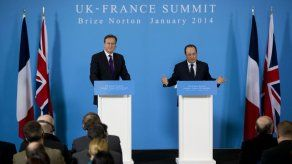 Hollande esquiva preguntas de su vida personal