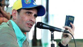 Opositor Capriles acusa a gobierno venezolano de comprar medios con dinero público