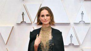 Natalie Portman se defiende ante las críticas por no ponerse a las órdenes de mujeres