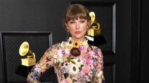 Taylor Swift dedica su histórico triunfo en los Grammy a su novio Joe Alwyn