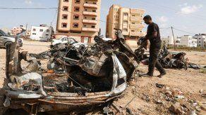 Ejército ataca coche de lanzadores de cometas y globos incendiarios en Gaza