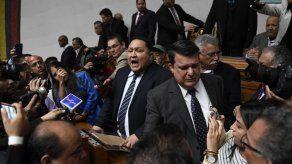 Denuncian asesinato de candidato opositor a parlamentarias en Venezuela