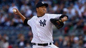Japonés Hiroki Kuroda se queda con los Yankees por un año más