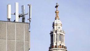 Atacan torres 5G alegando falsa relación con el coronavirus