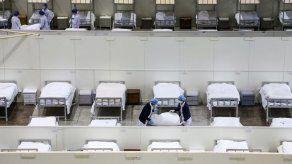 China investiga muerte de médico que hizo sonar las alarmas