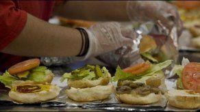 Eliminar publicidad de comida rápida reduciría obesidad