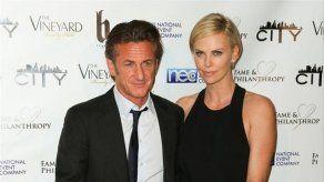 Charlize Theron y Sean Penn planean adoptar un hijo