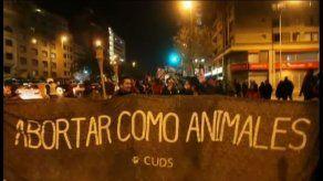 Miles de chilenos marchan y exigen la legalización del aborto
