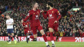 Liverpool vence a Tottenham 2-1