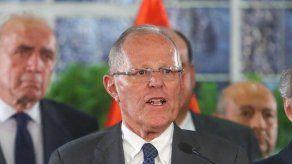 Destino de Kuczynski en manos del Congreso de Perú por Odebrecht