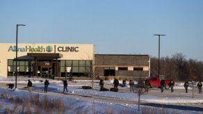 Un tiroteo en una clínica de Minnesota dejó un muerto y varios heridos