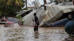 Isabel II manda condolencias a víctimas de la tormenta Eta