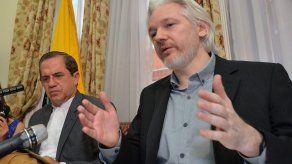 Ecuador ratifica decisión de proteger a Assange