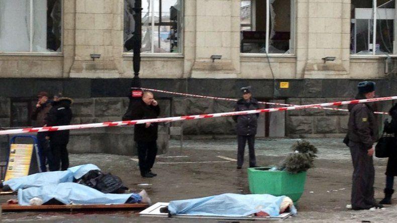 Investigadores rebajan a 14 los muertos por un atentado en una estación de tren rusa