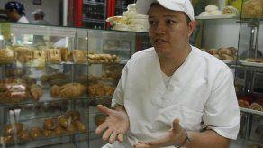 Emprendedor colombiano hornea su futuro con capacitación y pan de calidad
