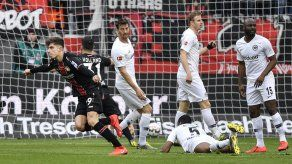 Leverkusen aplasta a Fráncfort y acaricia Liga de Campeones