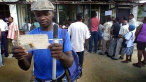 Surinam propone legalizar residencia de unos 1.800 haitianos