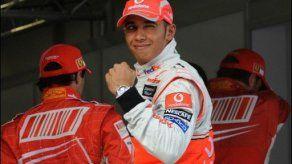 Hamilton logra la pole por delante de Raikkonen y Massa